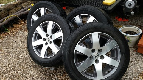 18 in Honda Pilot OEM Rims / Tires / Sensors / lug nuts
